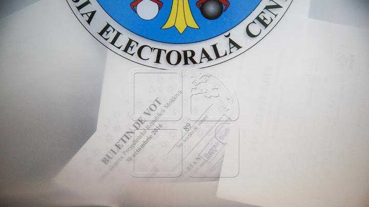 ALEGERI PREZIDENŢIALE, turul II: Cum votează cetăţenii moldoveni peste hotarele ţării