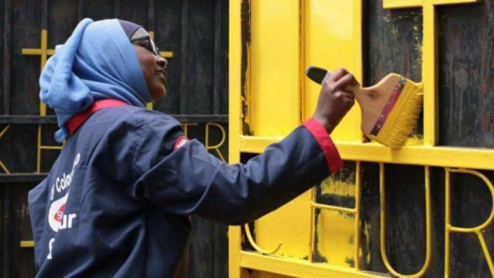 Motivul pentru care moscheile şi bisericile din Kenya sunt vopsite în galben