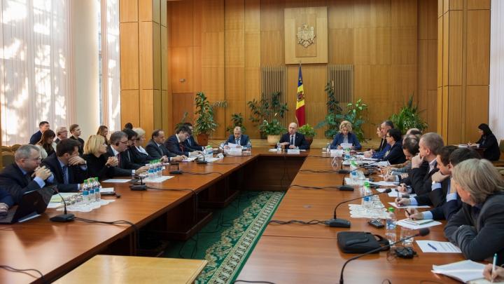 Premierul Pavel Filip: Administraţia publică trebuie să servească cetăţeanul