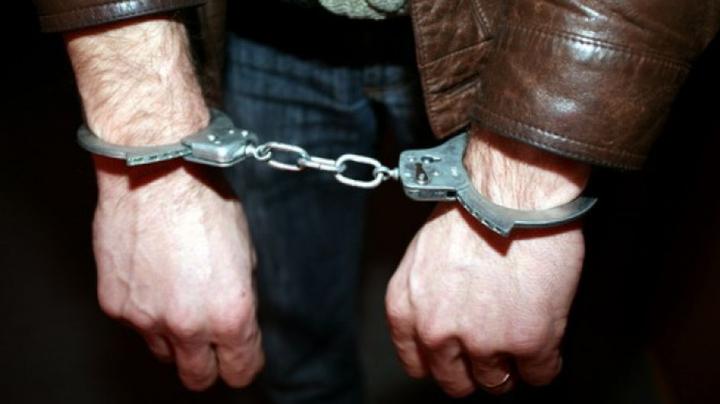 Un fost proxenet moldovean, ARESTAT în Franța. Acuzaţiile aduse de magistraţi sunt EXTREM DE GRAVE