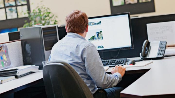 Cum influențează rețelele de socializare cariera profesională. Avertismentul specialiștilor