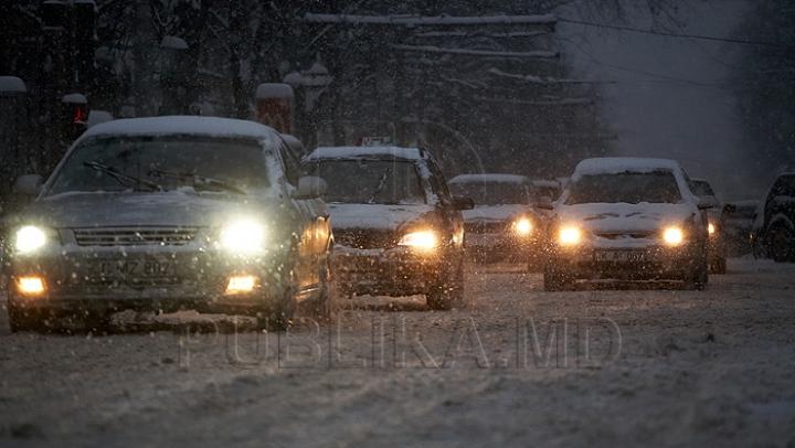 NINGE în Moldova! Recomandările inspectorilor de patrulare pentru şoferii care au pornit la drum