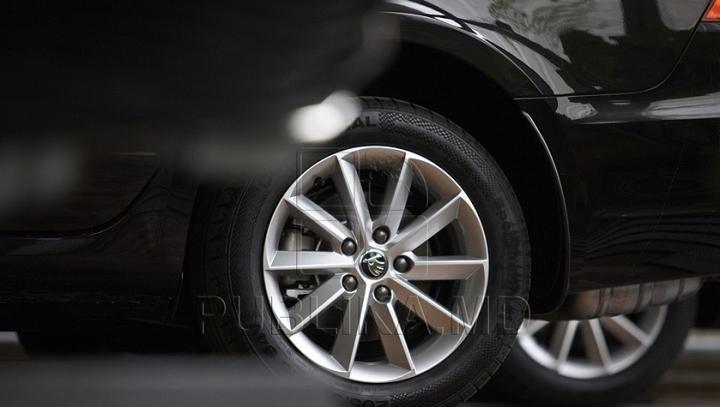NO COMMENT! E incredibil ce i s-a întâmplat unui şofer care a parcat neregulamentar (FOTO)