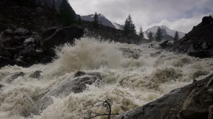 Furtuni și inundații puternice în Corsica. Zeci de persoane AU FOST EVACUATE (VIDEO)