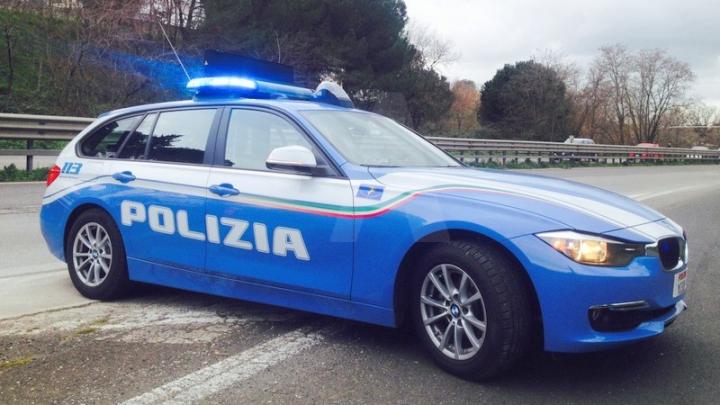 Urmărire ca în filme pe o autostradă din Italia. Un grup de infractori moldoveni, reţinut de poliţie