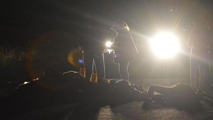 DESCOPERIRE MACABRĂ! 32 de cadavre şi 9 capete găsite în mai multe gropi comune