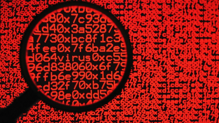 SECURITATE CIBERNETICĂ! Dispozitivele noastre se virusează mereu, dar nu știm de ce