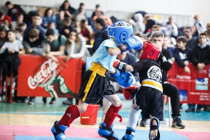 TENSINUNE MAXIMĂ la Campionatul Naţional de kick-boxing! Sute de sportivi s-au întrecut în măestrie (FOTOREPORT)
