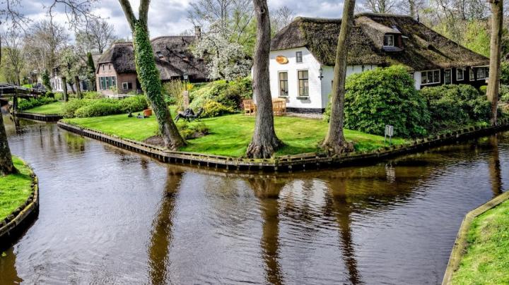 Olanda propune o destinaţie turistică unică: ORAŞUL FĂRĂ STRĂZI