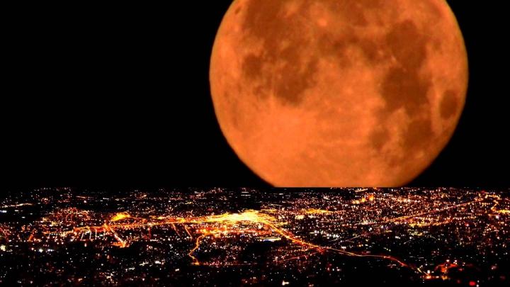 INTERESANT! Cinci lucruri inedite despre Super-Luna din noiembrie