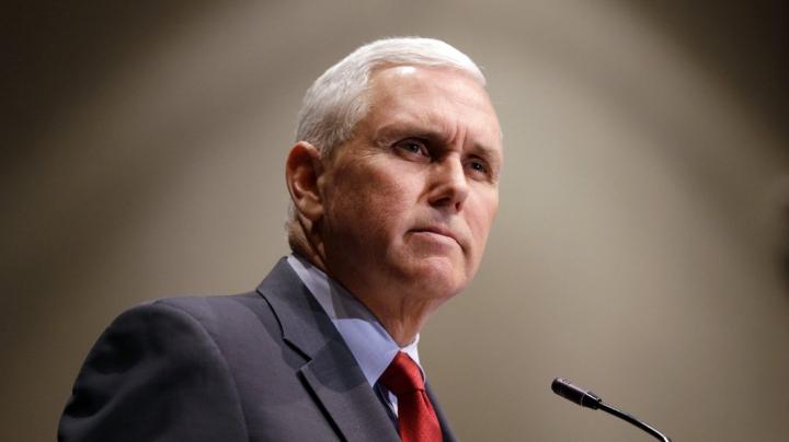 Democraţii americani anchetează asupra cazării lui Mike Pence la un hotel al lui Trump în Irlanda