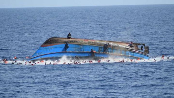 TRAGEDIE! Cel puţin 239 de imigranţi s-au înecat în Marea Mediterană