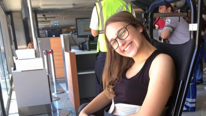 De necrezut! O tânără a rămas paralizată după ce a dormit într-o poziţie ciudată (FOTO)