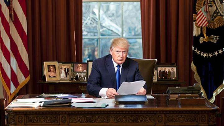 Donald Trump vrea să elimine prevederea constituţională care oferă cetăţenie americană celor născuţi în SUA