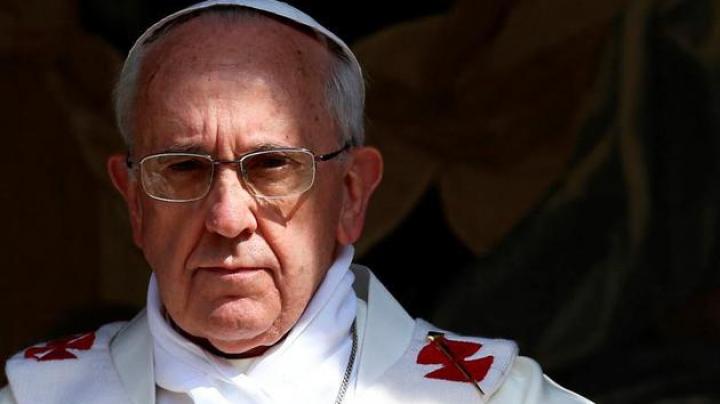 Papa Francisc condamnă atacurile teroriste și alte formă de violență comise în numele religiei