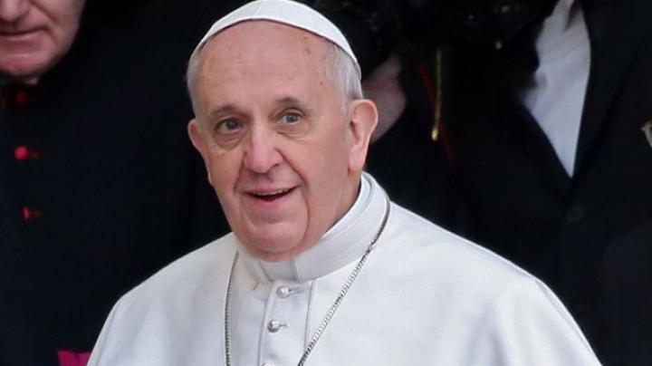 Decizie istorică: Papa Francisc le permite preoților catolici să acorde iertare femeilor care au făcut avort