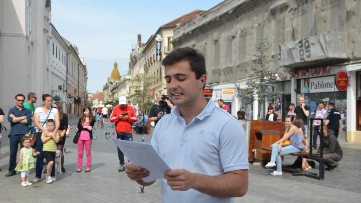 Un român, în spatele unui site cu ştiri false în favoarea republicanului Donald Trump