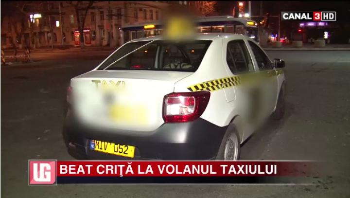 BEAT CRIŢĂ la volanul taxiului. Şoferul s-a dat în spectacol la Inspectoratul de Poliţie (VIDEO)