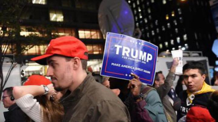 Alegeri în SUA: Succesele lui Trump în mai multe state-cheie PROVOACĂ NERVOZITATEA DEMOCRAŢILOR