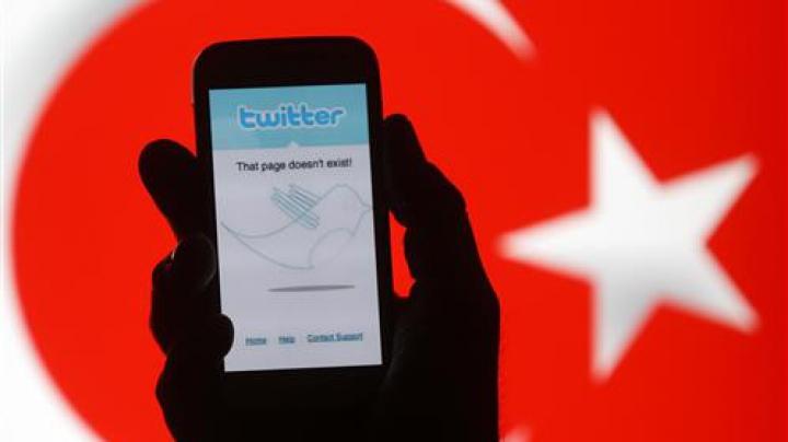 Twitter și Whatsapp, BLOCATE în Turcia. Care este cauza