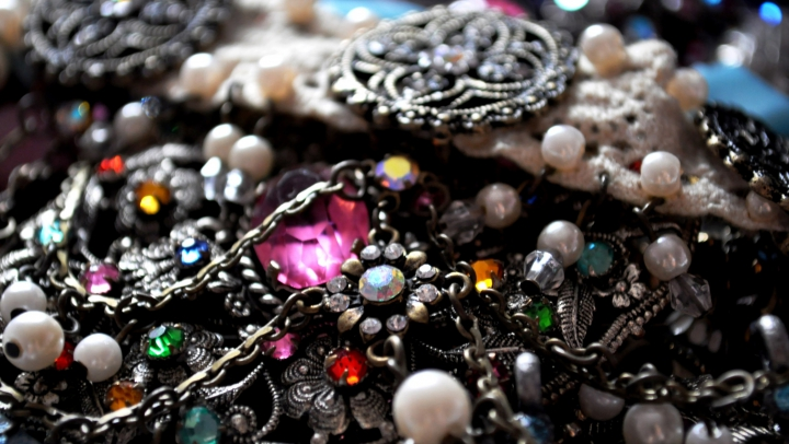 Superstiții legate de bijuterii. Află ce accesorii trebuie să porţi dacă vrei să ai noroc