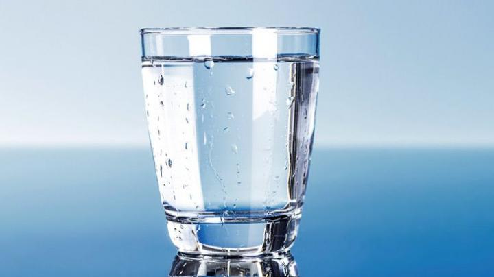 STUDIU: Contaminarea cu microplastic, identificată în surse comune de apă subterană