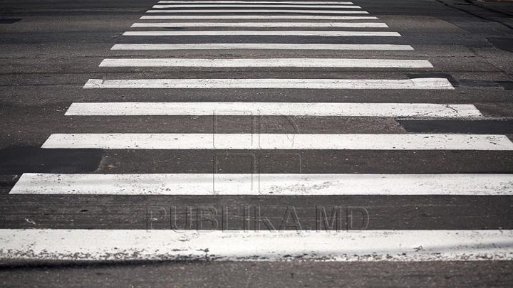 REVOLTĂTOR: Şi-au parcat automobilele în dreptul trecerii de pietoni (FOTO)