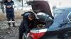 RĂPIT şi ABANDONAT în portbagajul maşinii! Calvarul prin care a trecut un bărbat din municipiul Chişinău