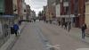 GROAZNIC! O femeie a umblat goală pe stradă, pe un ger năprasnic