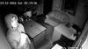 FĂRĂ RUŞINE! Dacă îi cunoaşteţi, alertaţi Poliţia. Ce au făcut doi indivizi într-un oficiu din Capitală (VIDEO)