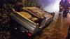 ACCIDENT MISTERIOS: O maşină, răsturnată la marginea drumului, iar şoferul era de negăsit (FOTO)