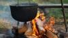 CEI MAI FLĂMÂNZI BĂRBAŢI DIN MOLDOVA! Au furat un ceaun cu carne de miel chiar de pe foc (VIDEO)