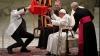 Circul a ajuns la Papa Francisc. Suveranul Pontif s-a delectat cu numere de acrobație și magie ale artiștilor