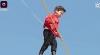 NO COMMENT! Un copil de cinci ani a mers pe o sfoară ridicată la nouă metri înălțime