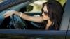 VIOLENTĂ, dar AMUZANTĂ! Reacţia uimitoare a unei şoferiţe care a blocat drumul (VIDEO)