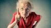 Tupeul unei bătrâne întrece orice limită! Ce şi-a permis să facă în timpul unei călătorii cu trenul
