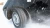 Viscolul din România provoacă pagube: Patru maşini din Argeş au fost avariate