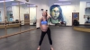ULUITOR! O femeie însărcinată în opt luni face adevărate acrobaţii la bară (VIDEO VIRAL)