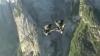 NO COMMENT! Au sărit în gol de pe un munte, cu înălțimea de peste patru kilometri (VIDEO)