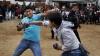 PUBLIKA WORLD: Obicei bizar în Peru. De Crăciun, zeci de oameni şi-au împărţit pumni şi picioare (VIDEO)