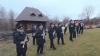 """(VIDEO) """"Deschide ușa, creștine!"""" De Crăciun, Poliţia de Frontieră a felicitat cetăţenii într-un mod INEDIT"""