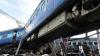 ACCIDENT FEROVIAR GRAV: 15 vagoane au ieşit de pe şine și au căzut într-un şanţ. SUNT MORŢI ŞI RĂNIŢI