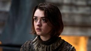 Arya (Maisie Williams) i-a impresionat pe fani cu abilitatea ei în mânuirea cuțitului în serialul Game Of Thrones (VIDEO)