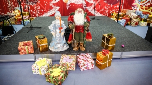 Ai nevoie de un cadou pentru cei dragi? În Capitală s-a deschis un târg de Crăciun (FOTOREPORT)