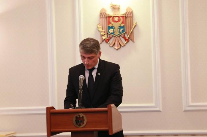 Moldova are Procuror General. Preşedintele a semnat decretul de numire în funcţie a lui Eduard Harunjen