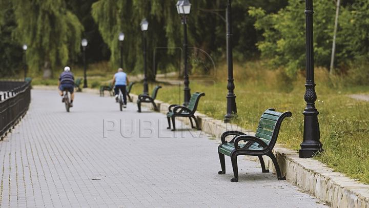 """Lucrările din Parcul """"Valea Morilor"""", FINALIZATE. Cât a costat amenajarea aleilor şi a pistei pentru bicicliști"""