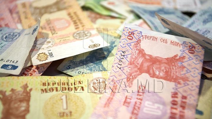 Conducerea unei companii de turism, reţinută de procurorii PCCOCS într-un dosar de evaziune fiscală
