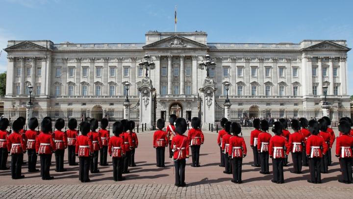 Măsuri de securitate sporite la Palatul Buckingham după atentatul de la Berlin