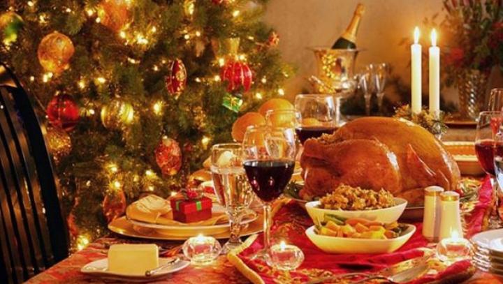 Pensiunile turistice şi vinăriile din ţară se întrec în oferte. VEZI unde poți petrece Revelionul și Crăciunul