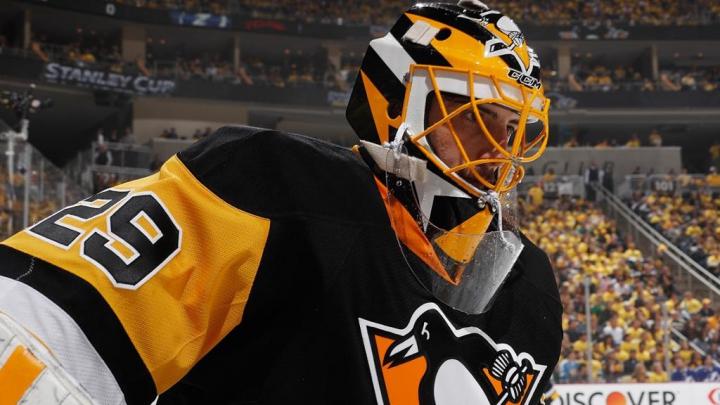 Accidentare teribilă în NHL: Un jucător a fost lovit de un adversar cu patina în gât (VIDEO)